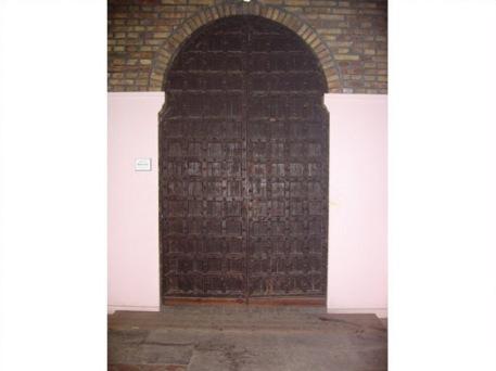 Porta mossàrab de l'església de St. Llorenç