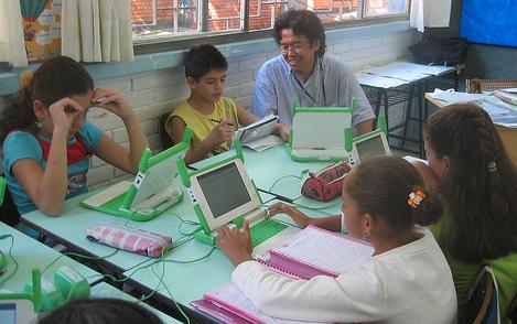 L'ordinador del projecte OLPC en acció